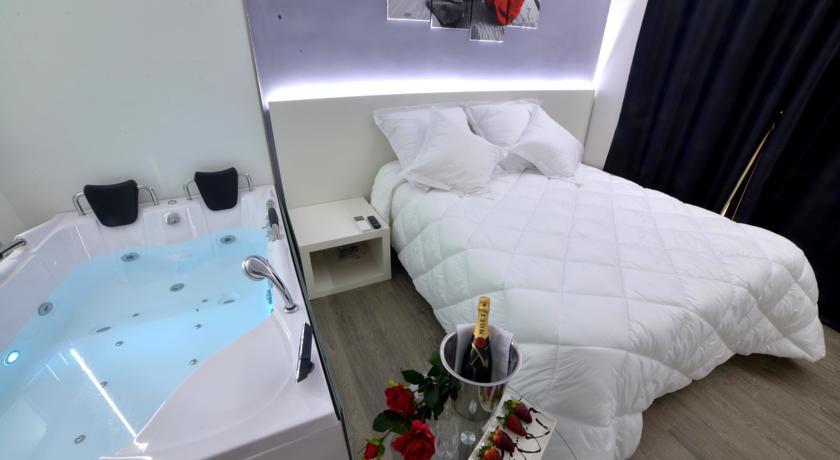 Hoteles para san valentin 2015 con jacuzzi privado for Busco hotel barato en barcelona