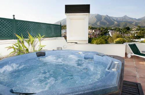 Jacuzzi Exterior Sevilla.10 Suites Con Jacuzzi Exterior Privado