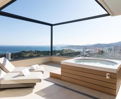 Hoteles Con Jacuzzi En La Habitacion En Mallorca - Jacuzzi-exterior-terraza